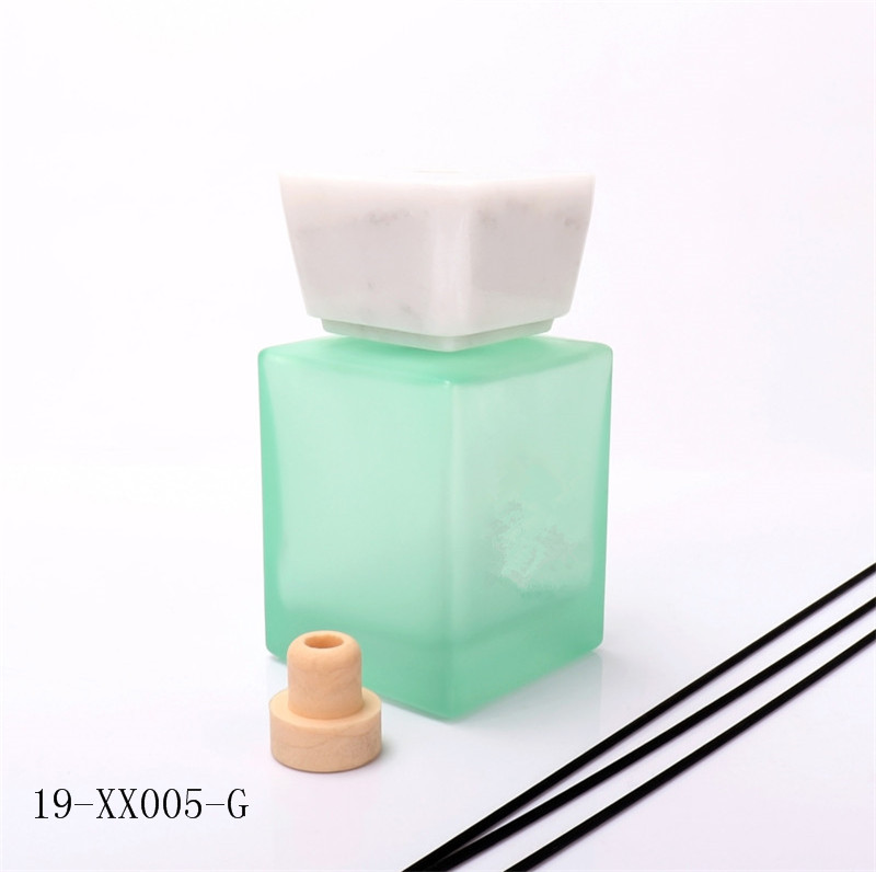 500ml Luxury Black Glass Diffuser Bottle With Marble Cap