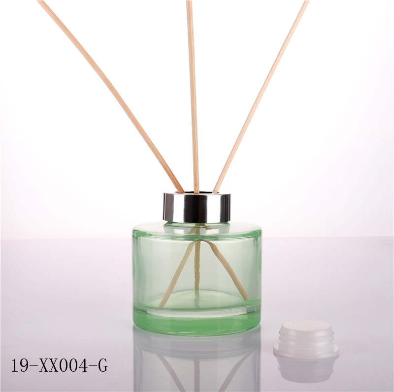 Fancy Green Fresh Empty Diffuser Glass Bottle