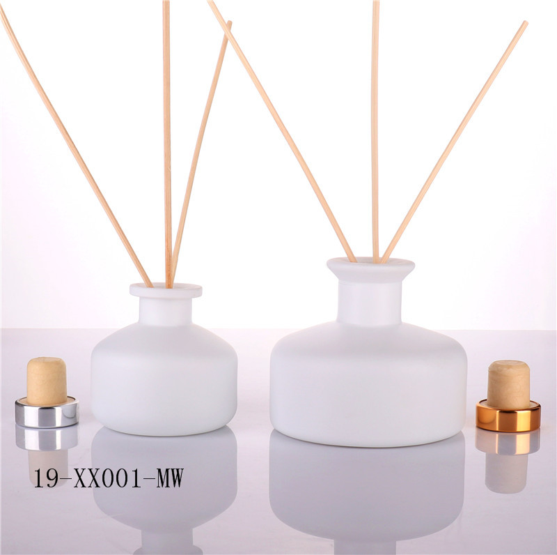 China Manufactory Frosted Reed Diffuser Glass Bottle